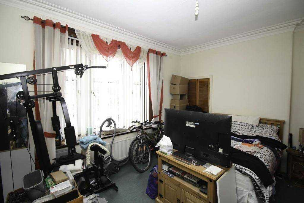 Current tenants have stored gym equipment and bikes in one room